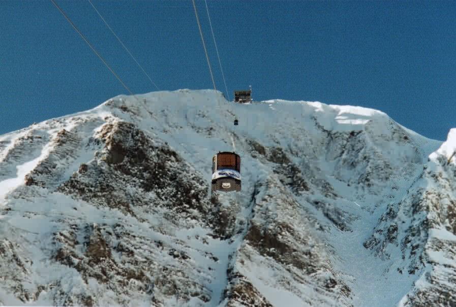 1,400 vertical feet straight up